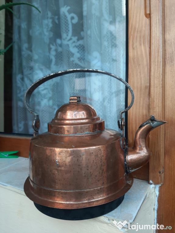 Ceainic vechi din cupru