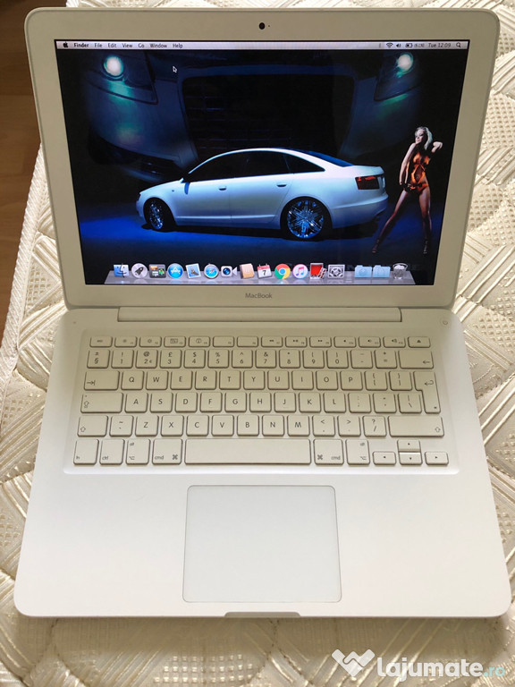 "Laptop Apple MacBook White 13"" Mid 2010 4GB RAM"