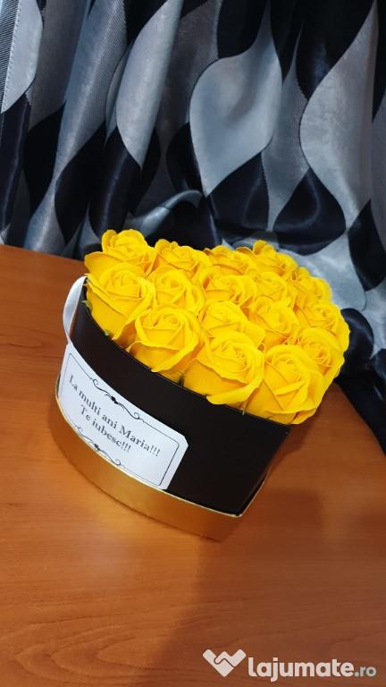 Trandafiri din sapun in cutie