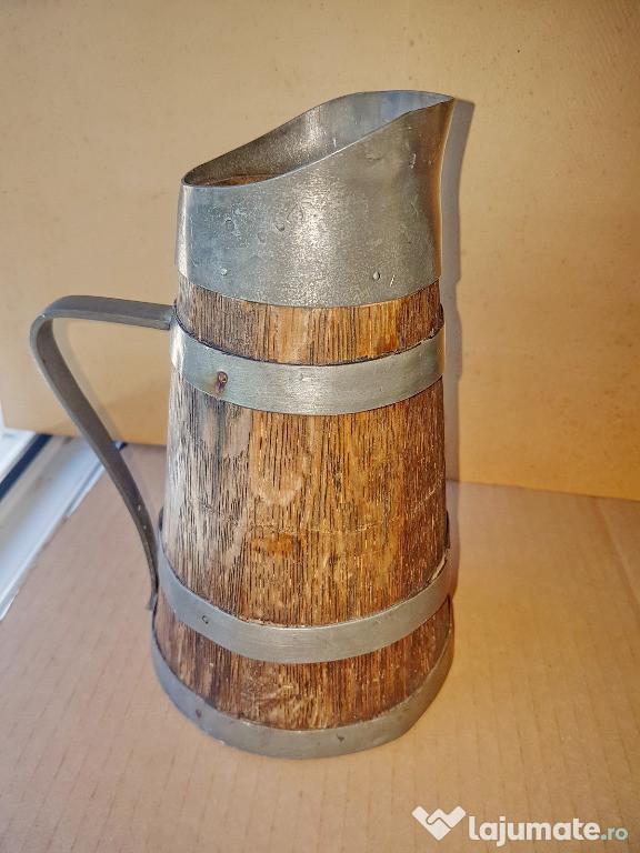 C514-Cofa rustica veche lemn cu metal manual executata.