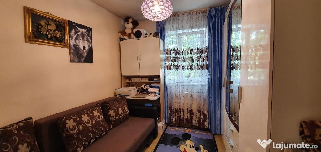 Apartament 4 camere zona Noua