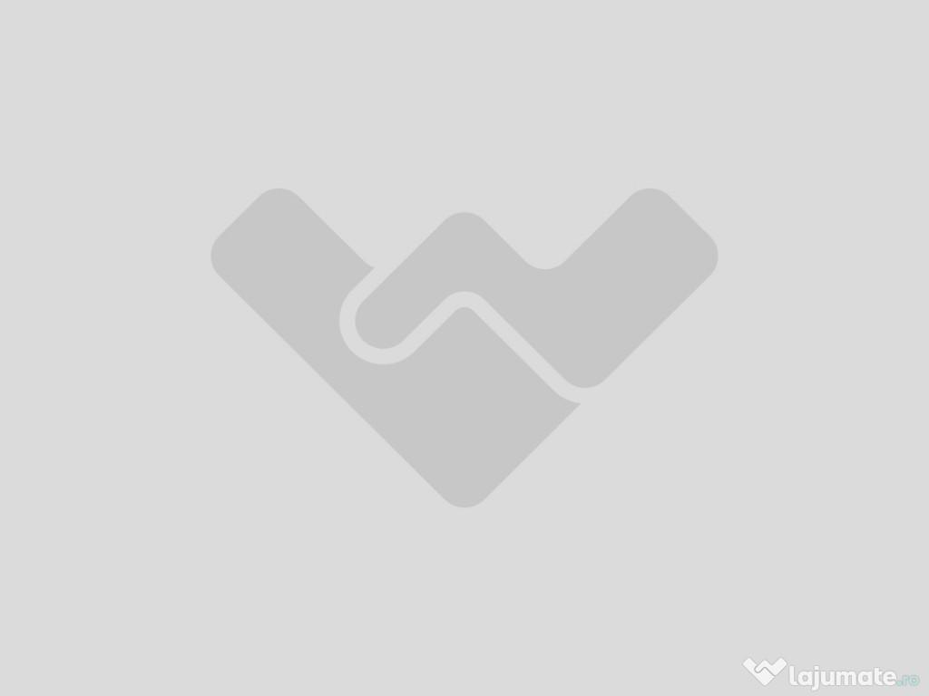 Apartament cu 3 camere semidecomandat in zona BRD Marasti