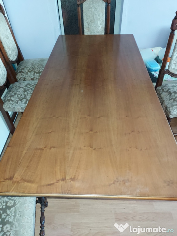 Masă și scaune din lemn masiv, vintage