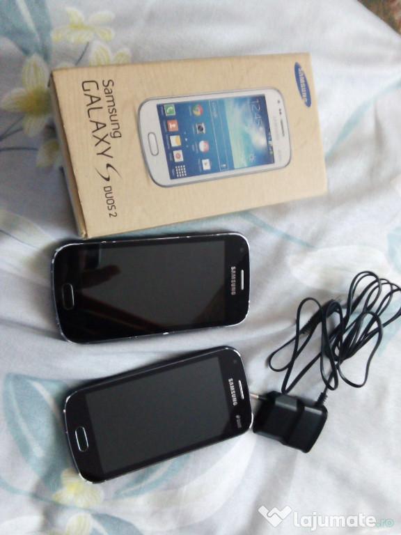 Două telefoane Samsung Galaxy s