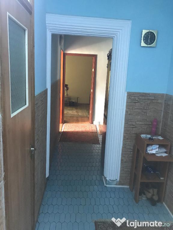 Apartament 4 camere, 83mp, din 1986, decomandat