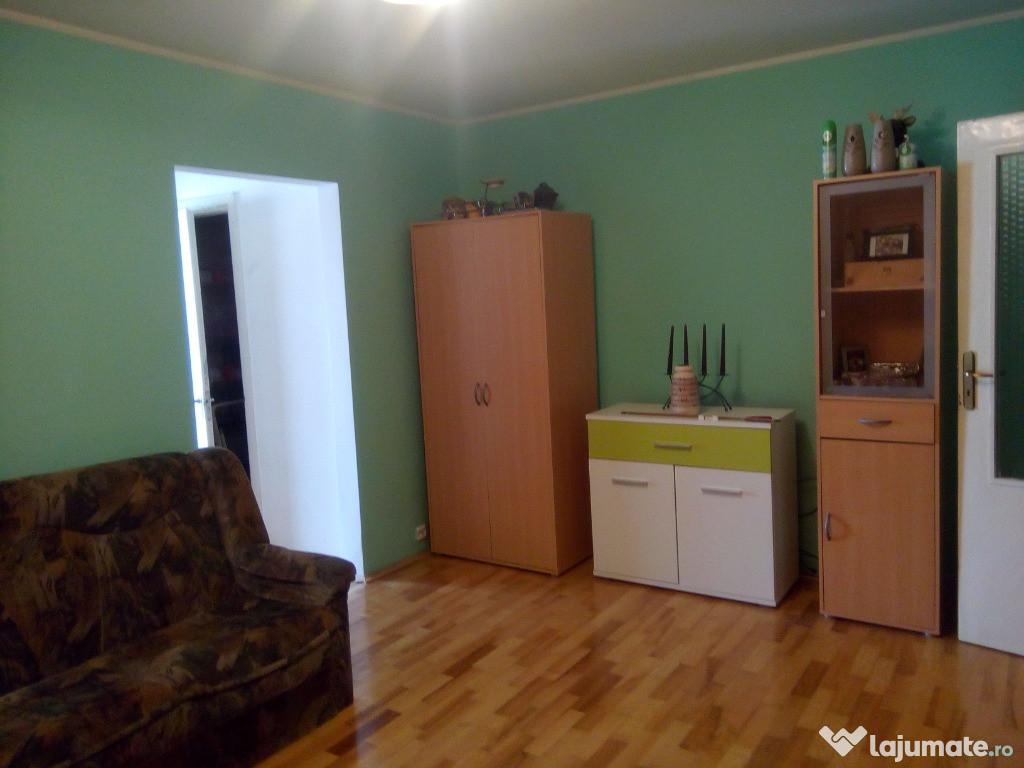 Apartament 2 camere ,semidecomandat, RESITA zona nord-est