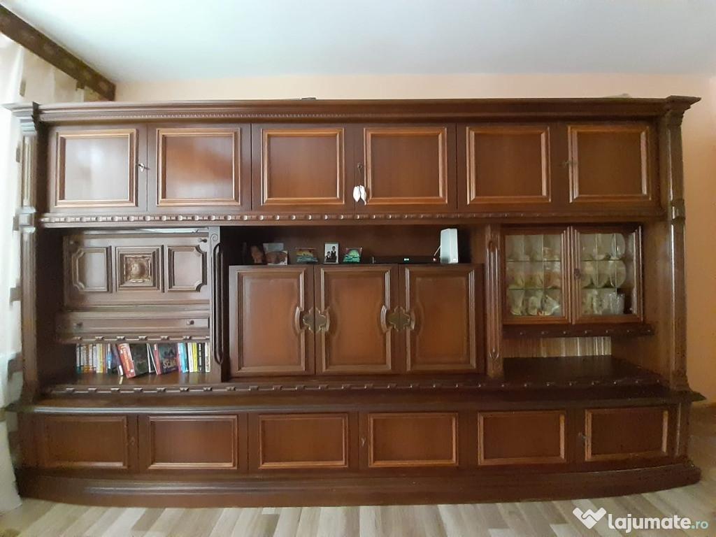 Bibliotecă din lemn masiv + set Canapea și două fotolii