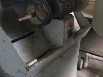 Masina de periat scramosat