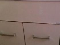 Chiuveta și dulap baie
