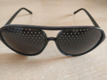 Pinhole glasses - ochelari cu gauri conice