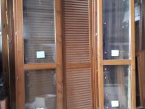 Uși de balcon din lemn cu sticlă termopan