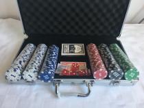 Trusa Poker 300 jetoane inscripționate la diplomat. SIGILAT!