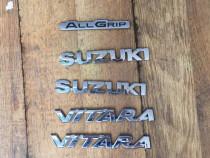 Emblema , sigla , scris Suzuki Vitara