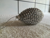 Glob brad pom Craciun forma con / conica argintiu - Nou