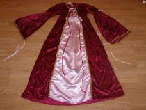 Costum carnaval serbare rochie medievala printesa 7-8-9 ani