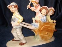 Copii cu carut figurina statueta portelan Scena Copilarie