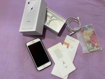 IPhone 8 silver 64gb + husă cadou