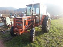 Tractor Renault 651