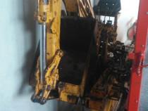 Braț excavator pentru tractor