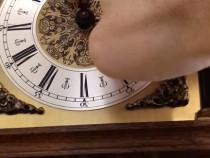 Ceas cu pendul si greutati - mijloc secol 20