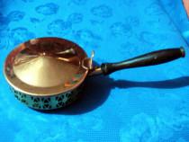 270- Prajitor din alama si arama cu sticla albastra groasa.