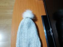 Caciula tricotata cu fir de lame argintiu