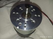 Motor de c.c., 24V, Pnom = 65W, 3300rot/min.