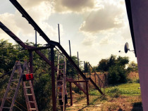 Realizam hale industriale , scari metalice , balustrade