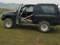 2  buc. Opel Frontera off-road rally 4x4