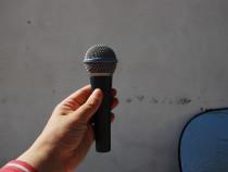 Microfon Shure Beta 58a ORIGINAL,aproape NOU pe cablu