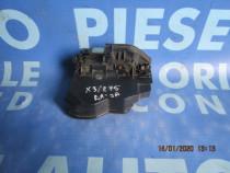 Broasca usa BMW E83 X3 2009; cod: 7202143 // 7202148