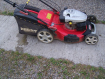 Masina de tuns iarba cu tractiune