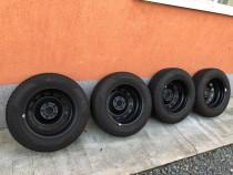 Anvelopede Iarna Pirelli cu Jante de Otel Ford Focus 2