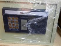 Seif cu cifru electronic din otel - 100 lei