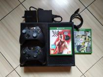 Consola Xbox One, cu 2 controllere si peste 380 de jocuri!