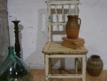 Scaun vechi din lemn reconditionat ( Mobila veche)