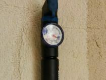 Pompa bicicleta pentru ambele ventile