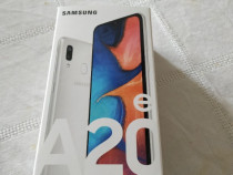 Samsung A20 e in cutie