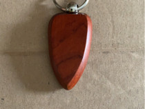 Breloc din lemn ce poate fi personalizat