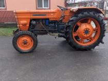 Tractor Fiat 550