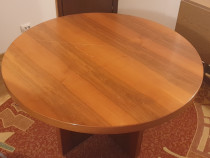 Masă rotundă din lemn masiv