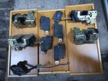 Set broasca usi cu sau fara motoras inchidere centralizata