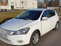 KIA cee'd facelift 2009 1.6 115 cp  (parbriz înlocuit,nou)