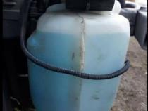 Vas lichid parbriz cu motoras Renault Megane 2 din 2006 1.5
