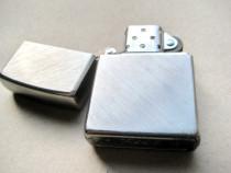 B964-I-Zippo Bricheta benzina vintage functionala metal arg.