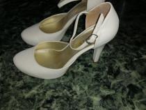 Pantofi cu toc Nina Moretti