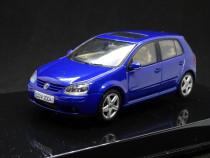 Macheta Volkswagen Golf V Autoart 1:43