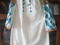 Camasa traditionala cu poale