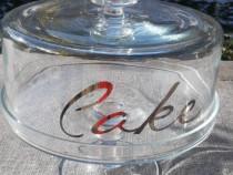 Platou tort din sticla cu capac