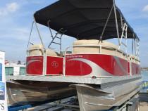 Barca Ponton (Catamaran) 8m lungime